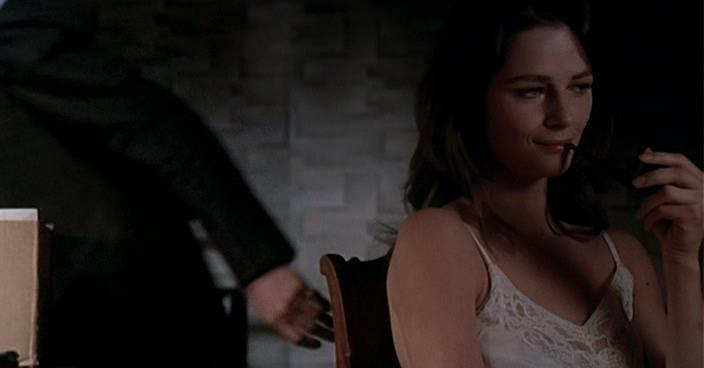 Порно отдалась офицеру