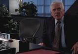 Сцена из фильма Особо тяжкие преступления / Major Crimes (2012)