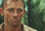 Кадр с фильма 007: Казино Рояль торрент 09763 люди 0