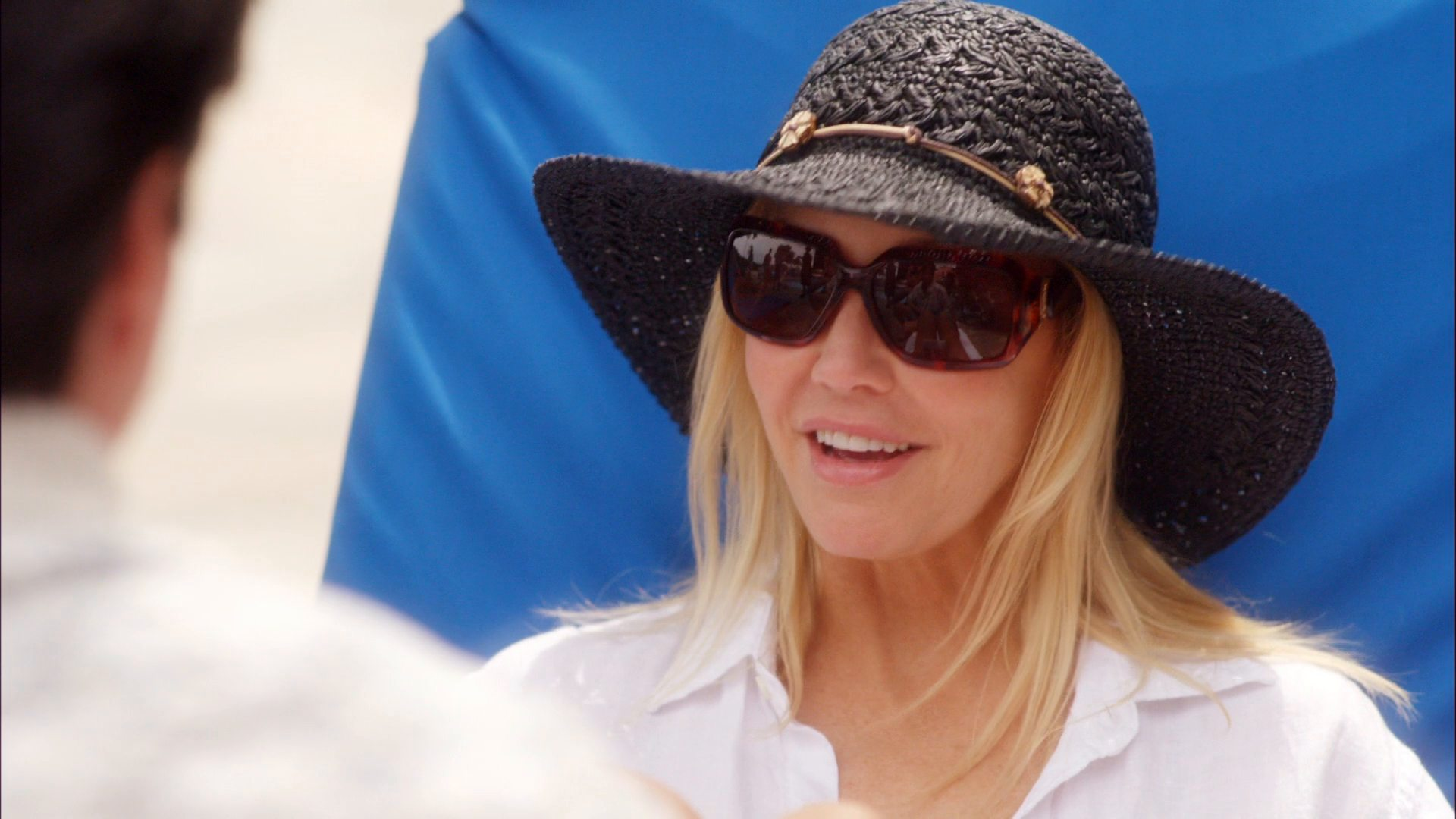flirting with forty scenes Watch the clip titled snorkeling for the film flirting with forty (2008) jackie (heather locklear) and kyle (robert buckley) go snorkeling together and discover a boy who has been stung by a jellyfish once done.