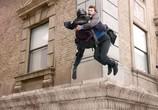 Сцена из фильма На грани / Man on a Ledge (2012)