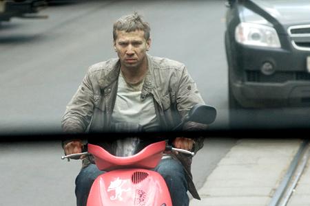 Фильм горячие новости 2009 скачать торрент.
