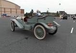 Сцена из фильма В погоне за классикой / Chasing classsic cars (2013) В погоне за классикой сцена 4