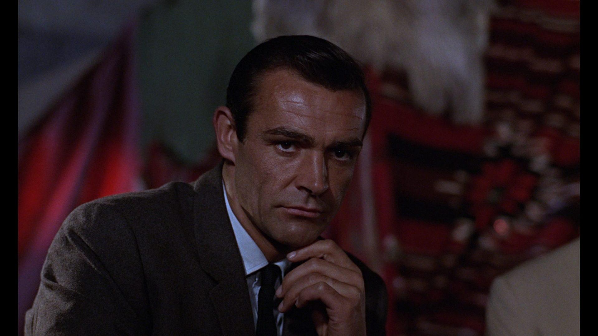 песня из казино рояль 007
